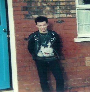 Vincent McCann în vremea când era în cultura goth, înainte de a-L întâlni pe Isus Hristos