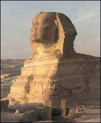 Sfinxul cu corp de leu şi cap de om