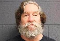 Pastorul John Douglas White. La 24 de ani, a sufocat și înjunghiat o fată de 17 ani, care a supraviețuit. La 37 de ani, a ucis-o pe iubita lui, în vârstă de 26 de ani. La 55 de ani, a ucis-o pe fiica, în vârstă de 24 de ani, a logodnicei lui, pentru a face sex pervertit cu cadavrul ei.