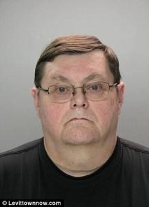 Pastorul Scott Sechrist și-a luat viața cu o săptămână înainte de începerea procesului său pentru abuz sexual asupra unei fetițe de 9 ani.
