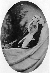 Bernadette, așa cum arăta la puțin timp după moarte.